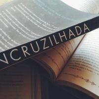 Resenha: Encruzilhada